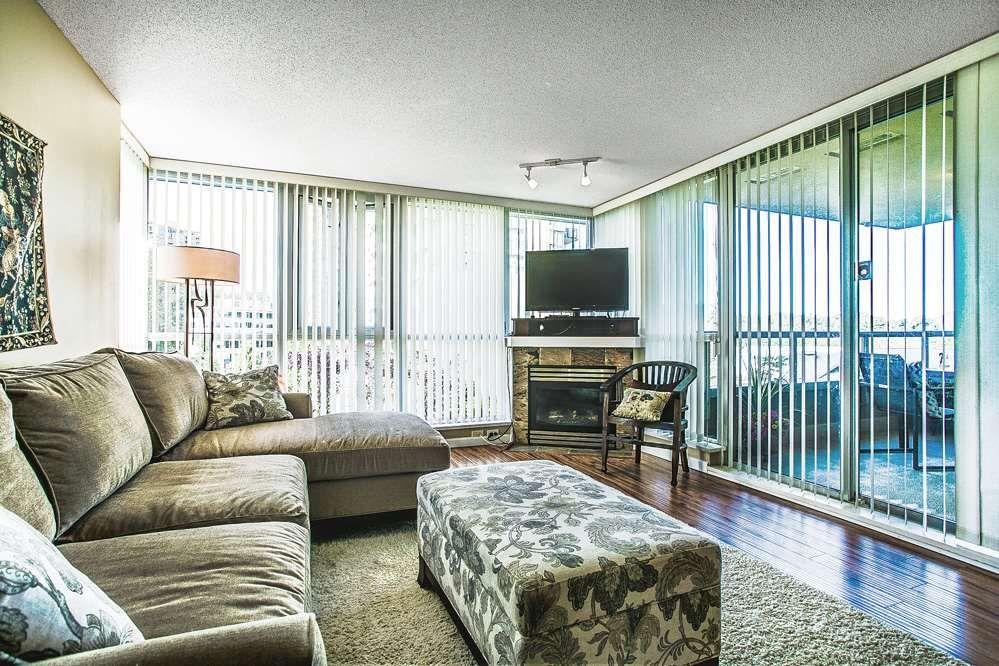 """Photo 4: Photos: 403 235 GUILDFORD Way in Port Moody: North Shore Pt Moody Condo for sale in """"THE SINCLAIR"""" : MLS®# R2187020"""