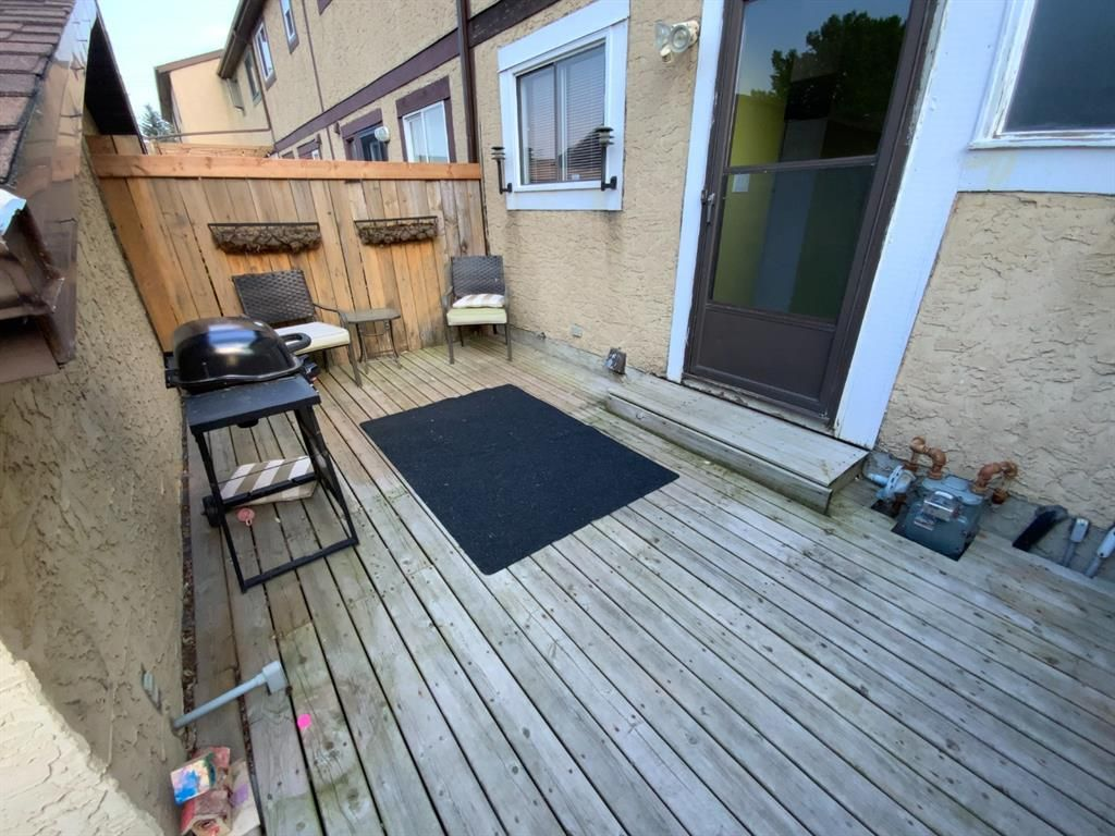 Photo 2: Photos: 290 Cornett Drive: Red Deer Row/Townhouse for sale : MLS®# A1132891
