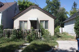 Photo 1: 131 Lisgar Avenue in Winnipeg: Point Douglas Residential for sale (4A)  : MLS®# 202120464