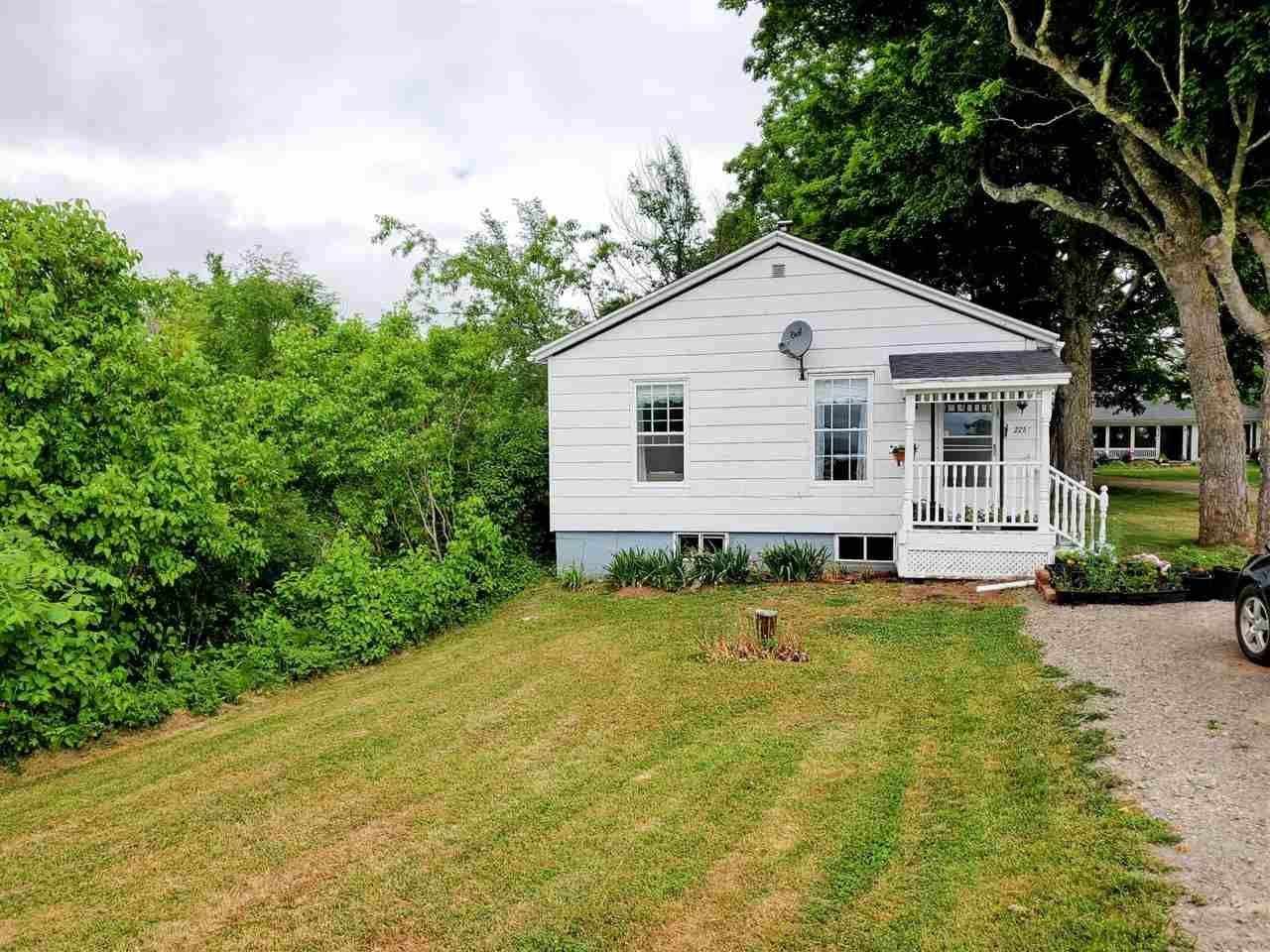 Main Photo: 2257 Highway 1 in Auburn: 404-Kings County Residential for sale (Annapolis Valley)  : MLS®# 202011078