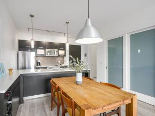 """Photo 6: 403 3333 MAIN Street in Vancouver: Main Condo for sale in """"3333 MAIN"""" (Vancouver East)  : MLS®# R2191207"""