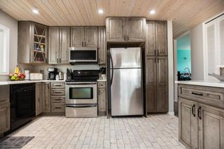 Photo 3: 62 Inwood Crescent in Winnipeg: Crestview Residential for sale (5H)  : MLS®# 202107351