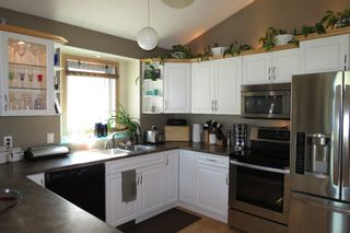 Photo 10: 28 Rothshire Drive in Winnipeg: Transcona Residential for sale ()