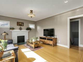 """Photo 3: 813 W 69TH Avenue in Vancouver: Marpole House for sale in """"MARPOLE"""" (Vancouver West)  : MLS®# R2560766"""