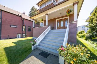 Photo 3: 654 E 7TH Avenue in Vancouver: Mount Pleasant VE House for sale (Vancouver East)  : MLS®# R2587929