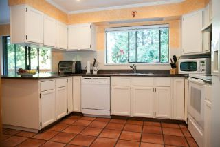 Photo 10: 4181 ROSE Crescent in West Vancouver: Sandy Cove House for sale : MLS®# R2102445