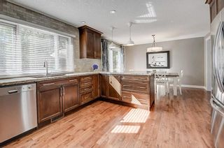 Photo 5: 2956 LATHOM Crescent SW in Calgary: Lakeview Detached for sale : MLS®# C4263838