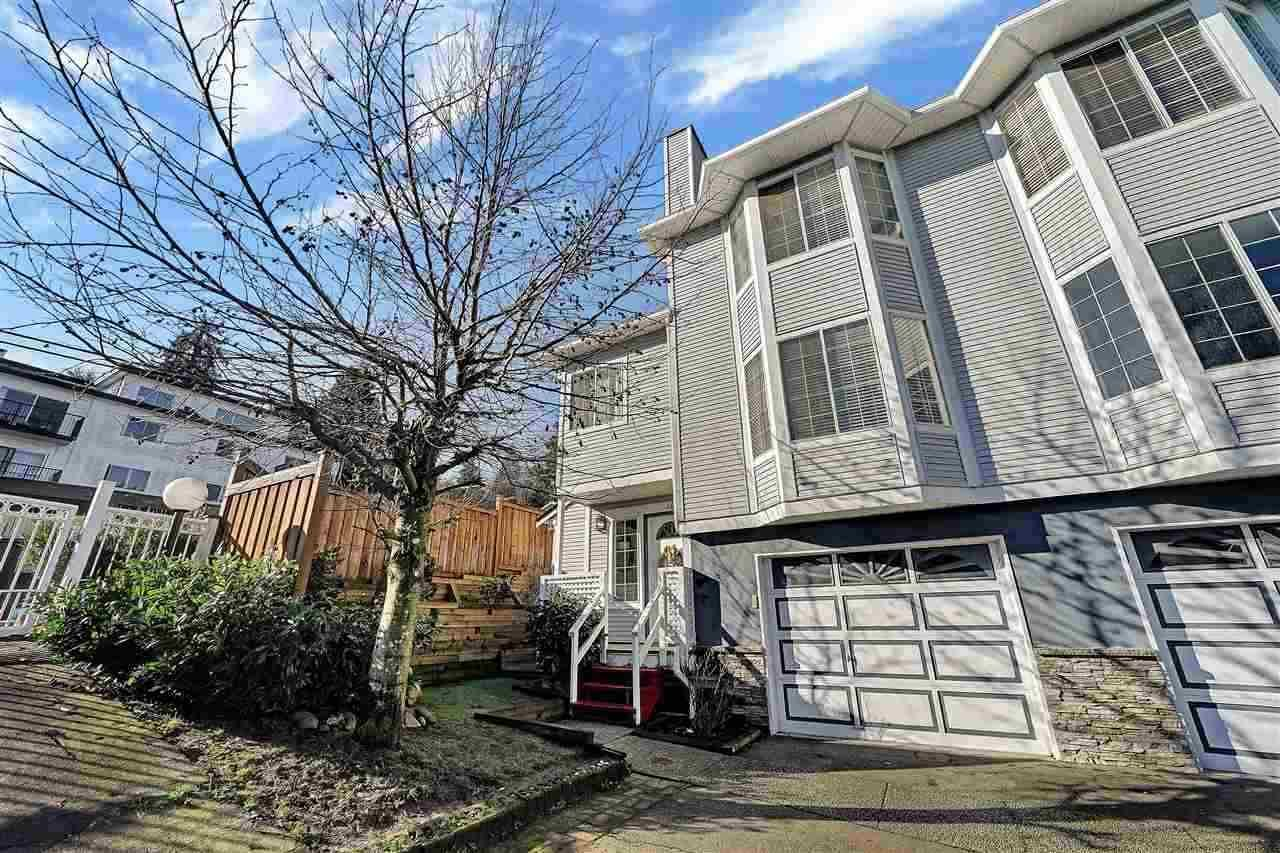 """Main Photo: 104 2003 CLARKE Street in Port Moody: Port Moody Centre Townhouse for sale in """"WILLOW ESTATES"""" : MLS®# R2516317"""