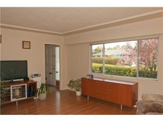 Photo 2: 458 MONTGOMERY Street in Coquitlam: Central Coquitlam House for sale : MLS®# R2238266