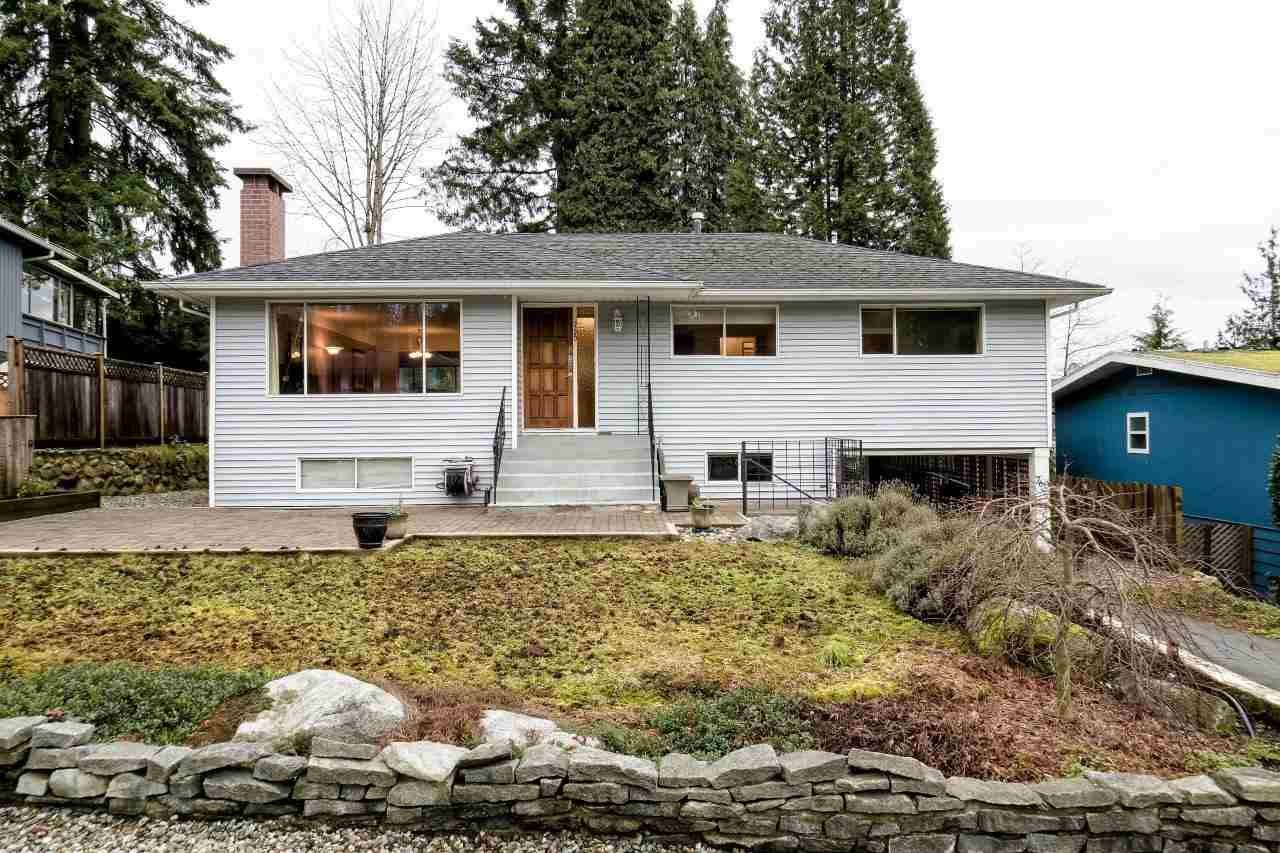 """Main Photo: 760 PLYMOUTH Drive in North Vancouver: Windsor Park NV House for sale in """"WINDSOR PARK"""" : MLS®# R2026728"""