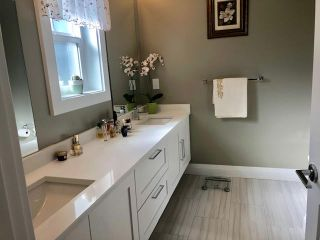 """Photo 13: 7 2239 164A Street in Surrey: Grandview Surrey Townhouse for sale in """"Evolve"""" (South Surrey White Rock)  : MLS®# R2339595"""