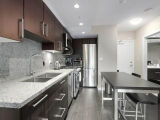 """Photo 14: 554 108 W 1ST Avenue in Vancouver: False Creek Condo for sale in """"OLYMPIC VILLAGE"""" (Vancouver West)  : MLS®# R2437073"""