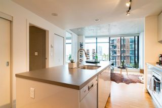 """Photo 11: 2606 108 W CORDOVA Street in Vancouver: Downtown VW Condo for sale in """"WOODWARDS"""" (Vancouver West)  : MLS®# R2237900"""