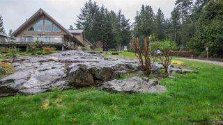 Photo 1: 5667 ANNEX Road in Sechelt: Halfmn Bay Secret Cv Redroofs House for sale (Sunshine Coast)  : MLS®# R2045259