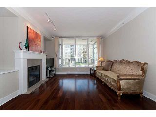 """Photo 3: 320 4685 VALLEY Drive in Vancouver: Quilchena Condo for sale in """"MARGUERITE HOUSE I"""" (Vancouver West)  : MLS®# V883578"""