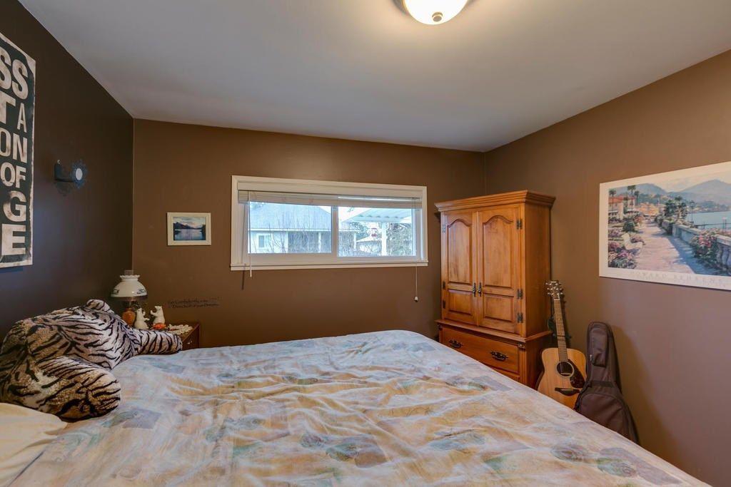 Photo 12: Photos: 12579 97 Avenue in Surrey: Cedar Hills House for sale (North Surrey)  : MLS®# R2225806