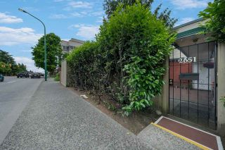 """Photo 23: 2651 WESTVIEW Drive in North Vancouver: Upper Lonsdale Townhouse for sale in """"CYPRESS GARDENS"""" : MLS®# R2587577"""
