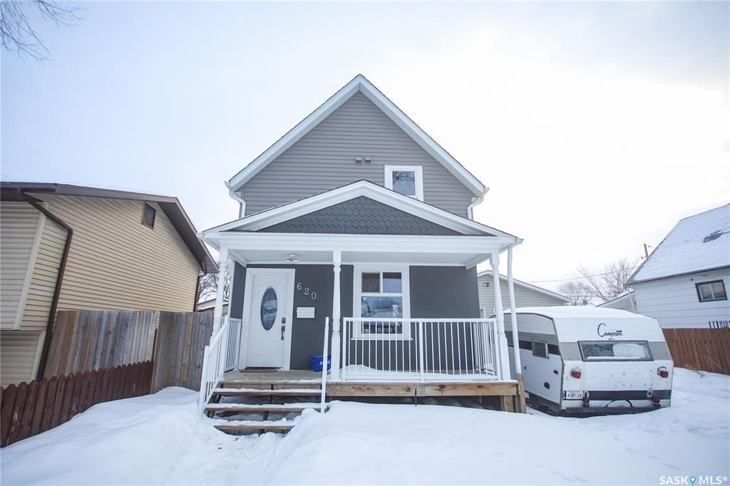 Main Photo: 620 J Avenue South in Saskatoon: King George Residential for sale : MLS®# SK841240