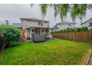 """Photo 19: 18276 69 Avenue in Surrey: Cloverdale BC House for sale in """"Cloverwoods"""" (Cloverdale)  : MLS®# R2369738"""