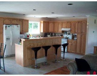Photo 3: 45276 Crescent Drive in Chilliwack: Chilliwack W Young-Well House for sale : MLS®# H2703156