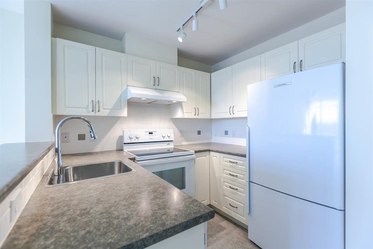 Main Photo: 709 2799 YEW Street in Vancouver: Kitsilano Condo for sale (Vancouver West)  : MLS®# R2122794