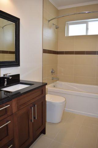 "Photo 6: 5422 THIMBLEBERRY Place in Sechelt: Sechelt District House for sale in ""Burnett Falls"" (Sunshine Coast)  : MLS®# R2453194"