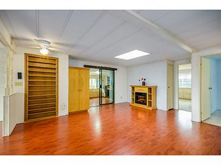 Photo 5: 113 15875 20TH Avenue in Surrey: King George Corridor Manufactured Home for sale (South Surrey White Rock)  : MLS®# F1405449