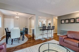 Photo 5: 2719 40 Street SW in Calgary: Glendale Detached for sale : MLS®# A1128228