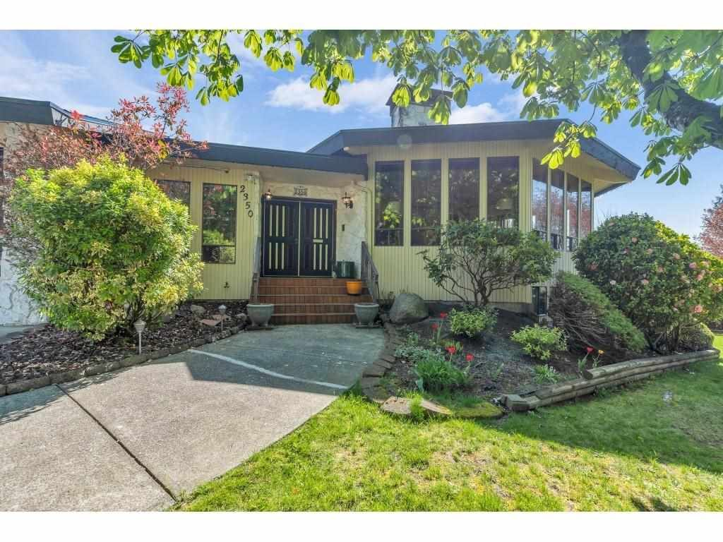Main Photo: 2350 SENTINEL Drive in Abbotsford: Central Abbotsford House for sale : MLS®# R2573032