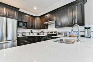 """Photo 5: 127 15399 GUILDFORD Drive in Surrey: Guildford Townhouse for sale in """"GUILDFORD GREEN"""" (North Surrey)  : MLS®# R2237547"""