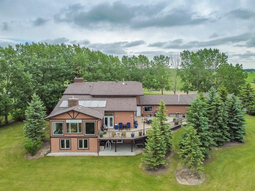 Main Photo: 272186 LOCHEND Road in Rural Rocky View County: Rural Rocky View MD Detached for sale : MLS®# A1068902