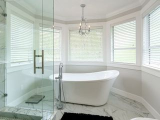 Photo 14: 2886 KEETS Drive in Coquitlam: Coquitlam East House for sale : MLS®# R2168132