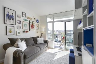 """Photo 2: 703 38 W 1ST Avenue in Vancouver: False Creek Condo for sale in """"THE ONE BY PINNACLE"""" (Vancouver West)  : MLS®# R2450251"""