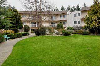 """Photo 1: 204 12890 17TH Avenue in Surrey: Crescent Bch Ocean Pk. Condo for sale in """"OCEAN PARK PLACE"""" (South Surrey White Rock)  : MLS®# F1003860"""