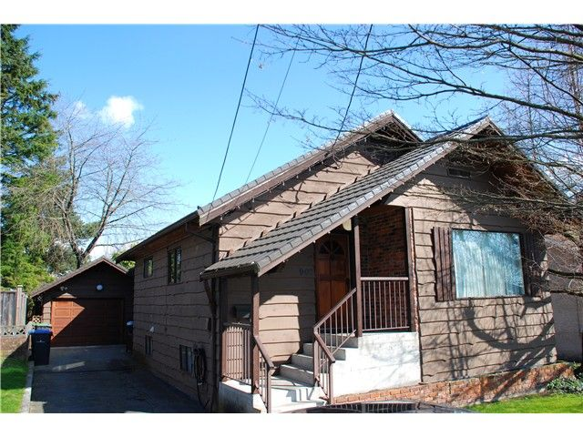 Main Photo: 907 14TH ST in New Westminster: West End NW House for sale : MLS®# V995220
