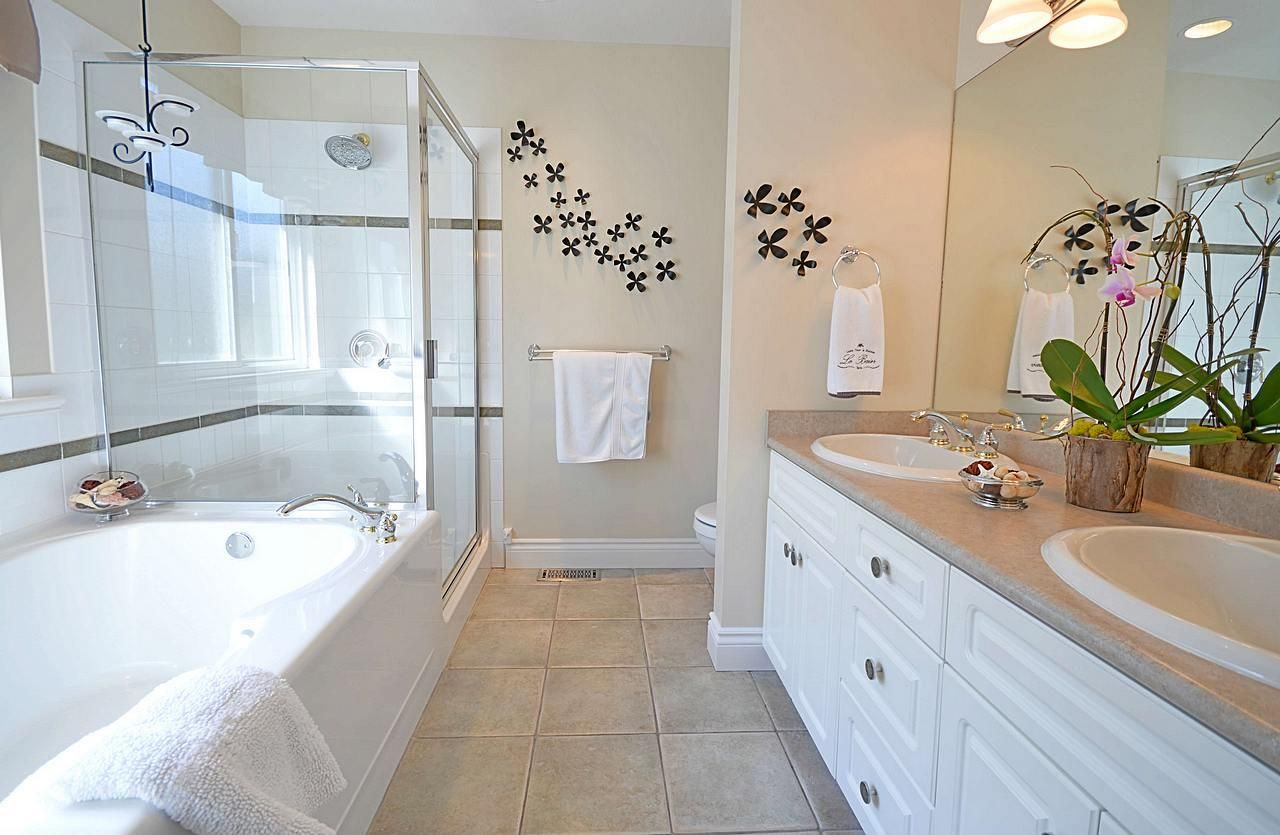 """Photo 14: Photos: 3087 MOSS Court in Coquitlam: Westwood Plateau House for sale in """"WESTWOOD PLATEAU"""" : MLS®# R2154481"""