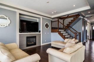 """Photo 3: 21062 77 Avenue in Langley: Willoughby Heights House for sale in """"Yorkson South"""" : MLS®# R2288117"""