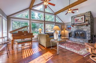 Photo 5: 2257 June Rd in : CV Courtenay North House for sale (Comox Valley)  : MLS®# 865482