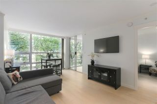 """Photo 7: 402 1050 BURRARD Street in Vancouver: Downtown VW Condo for sale in """"WALL CENTRE"""" (Vancouver West)  : MLS®# R2362675"""