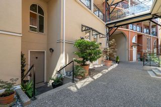 """Photo 1: 102 2 RENAISSANCE Square in New Westminster: Quay Condo for sale in """"The Lido"""" : MLS®# R2467538"""