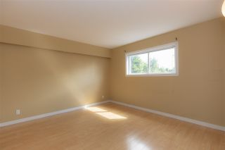 Photo 17: 29858 FRASER Highway in Abbotsford: Aberdeen House for sale : MLS®# R2477913