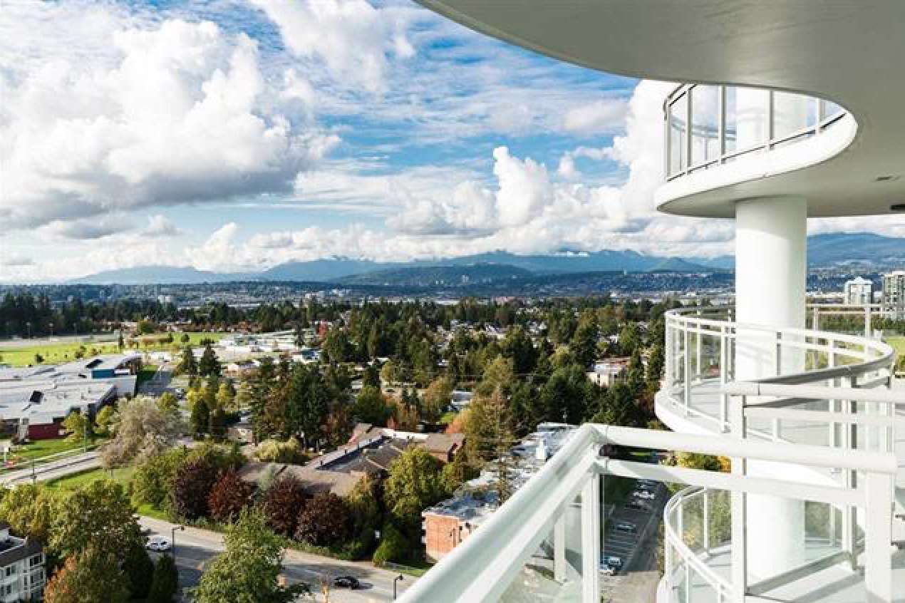 "Main Photo: 1303 13303 CENTRAL Avenue in Surrey: Whalley Condo for sale in ""WAVE by Rize"" (North Surrey)  : MLS®# R2342283"