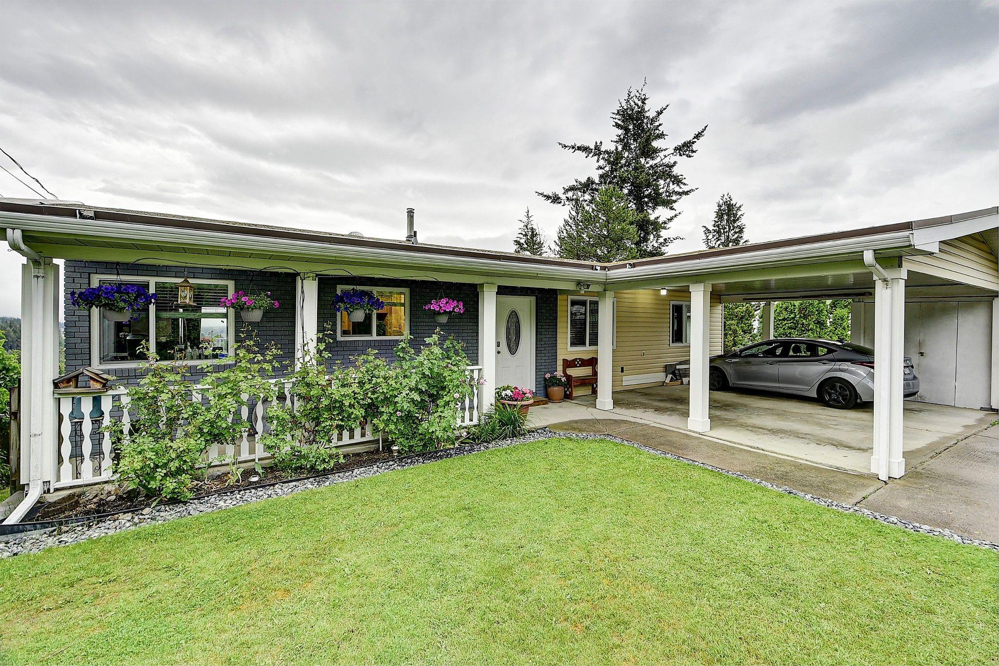 Main Photo: 3289 Mcleod Road in West Kelowna: Glenrosa House for sale (central okanagan)  : MLS®# 10207883