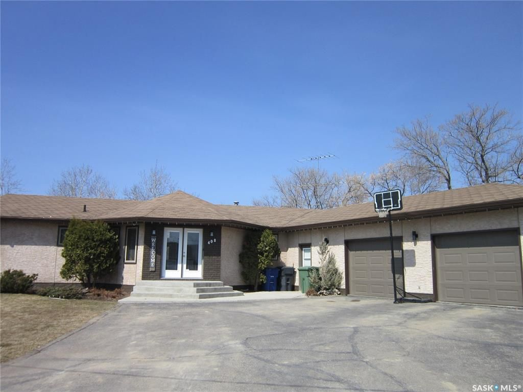 Main Photo: 408 Macdonald Street in Nipawin: Residential for sale : MLS®# SK819756