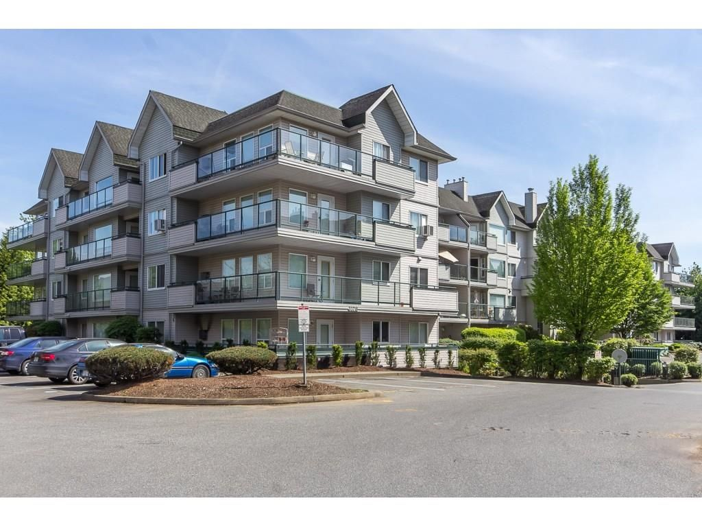 """Main Photo: 111 33718 KING Road in Abbotsford: Poplar Condo for sale in """"College Park"""" : MLS®# R2425332"""