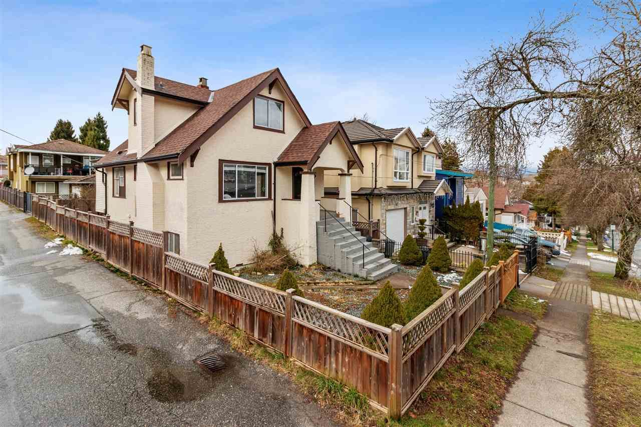 Main Photo: 5375 MCKINNON Street in Vancouver: Collingwood VE House for sale (Vancouver East)  : MLS®# R2543846