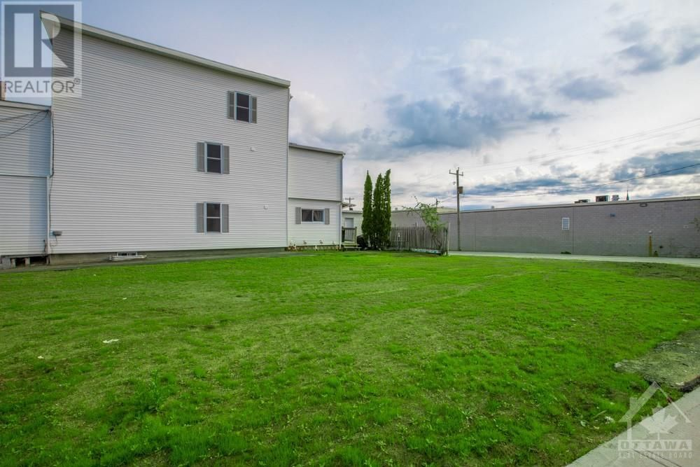 Main Photo: 293 JAMES STREET in Hawkesbury: Vacant Land for sale : MLS®# 1245717