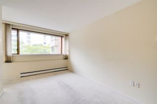 """Photo 7: 203 15111 RUSSELL Avenue: White Rock Condo for sale in """"Pacific Terrace"""" (South Surrey White Rock)  : MLS®# R2102035"""