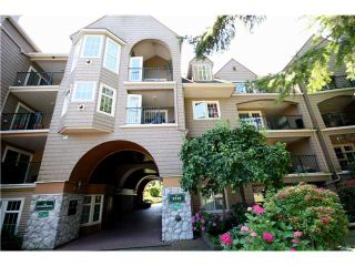 """Photo 1: 202 5518 14TH Avenue in Tsawwassen: Cliff Drive Condo for sale in """"WINDSOR WOODS"""" : MLS®# V964579"""