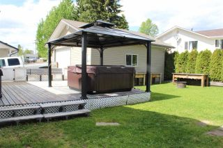 Photo 33: 703 CENTENNIAL Drive in Mackenzie: Mackenzie -Town House for sale (Mackenzie (Zone 69))  : MLS®# R2589079